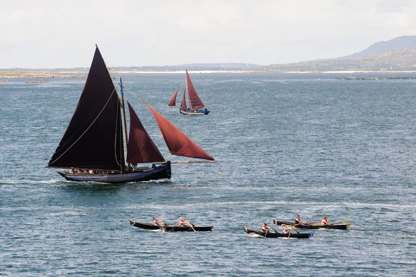 Hooker and currach racing Lettermullen